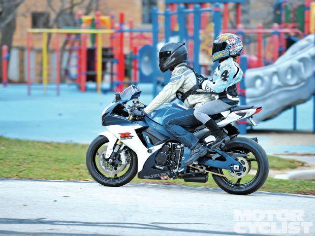 122-1204-01-zmoto-grip-child-safety-harness.jpg